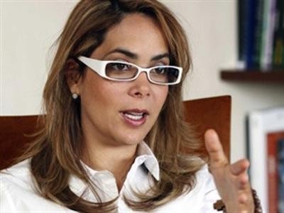 Gina Parody renuncia al SENA y apoya a Santos